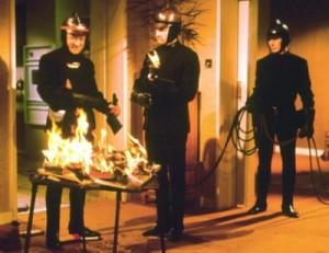 Cena do filme Fahrenheit 451, de François Truffaut
